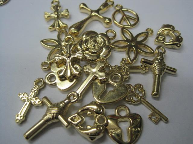 Plastične perle- bakrene ,zlatne i staro zlato